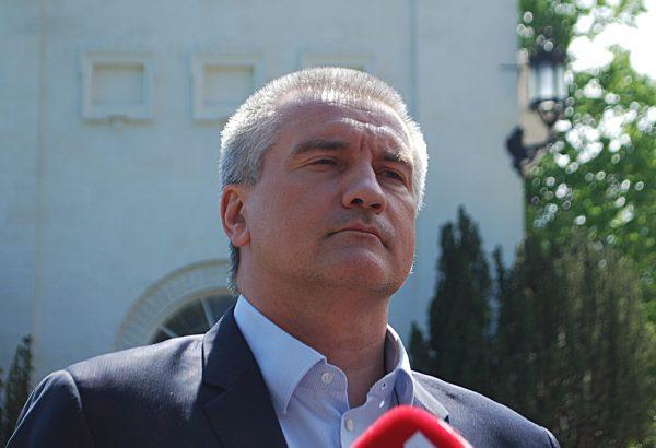 Аксёнов прокомментировал снятие Кабанова с выборов в Госдуму