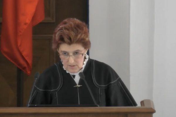 В заксобрании Севастополя отчиталась глава департамента образования