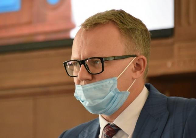 Горлов отдувался за работу муниципалитетов в Севастополе