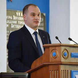 Избранный уполномоченный по защите прав предпринимателей дал присягу в Севастополе