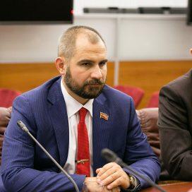 Список «Коммунистов России» могут возглавить Сурайкин и Хугаев